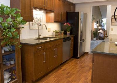 bellevue-kitchen-galley